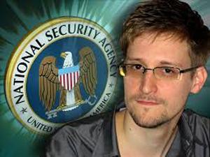 Tự do cho Snowden vẫn tiếp tục là chủ đề tranh cãi giữa hai cựu thù Chiến tranh Lạnh Nga-Mỹ.